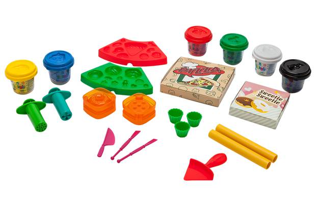 /pre-school/chad-valley-dough-pizza-and-cupcake-set