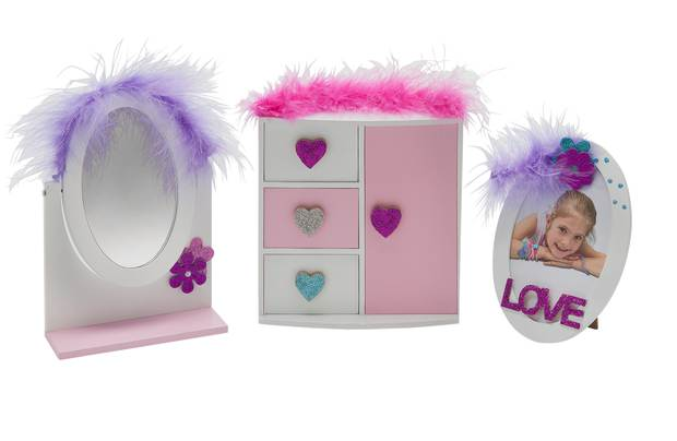 /let-s-pretend/chad-valley-dressing-table-set