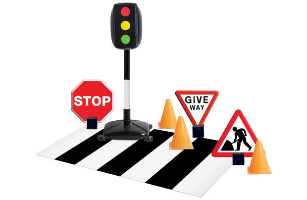 /outdoor-toys/chad-valley-traffic-signs-set