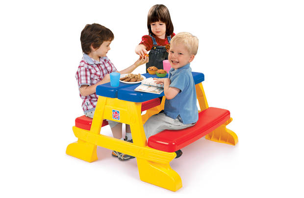 /outdoor-toys/chad-valley-plastic-foldable-picnic-bench