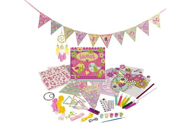 /creative-play/chad-valley-decorate-your-own-room-set